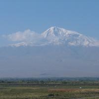 Покр Веди. Вид на Арарат.