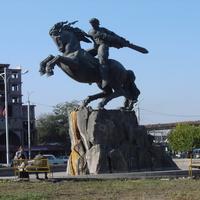 Ереван. Памятник Давиду Сасунскому.