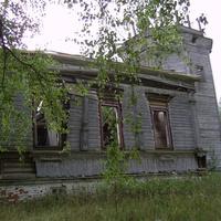 с. Знаменское. Знаменская церковь - основной объем и колокольня.
