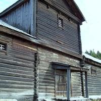 Село Александровское. Постройка 19 века.