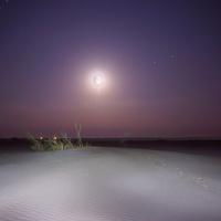 Лунная ночь на песчаном острове у поселка Цаган-Аман. Волга
