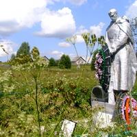 Братская могила в д. Ясенское. 2010 г.