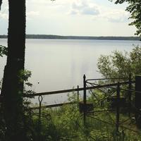 Вид на озеро со стороны церкви. 2010 г.