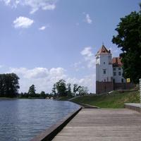 Мирский замок, вид с пристони