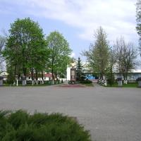 Глуск, Памятник на площади