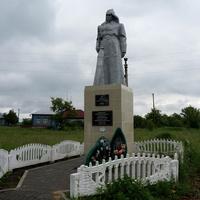 Памятник в селе