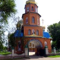 Вход на територию церкви Покрова Пресвятой Богородицы