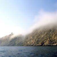 Вход в Балаклавскую бухту осень