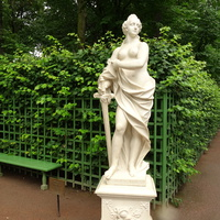 "Летний сад. Скульптура ""Аллегория Правосудия""."