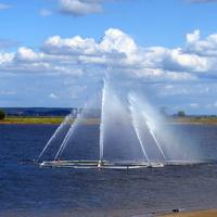 Плавучий фонтан