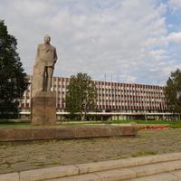 Памятник Куусинену