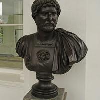 Камеронова галерея. Скульптура Адриана