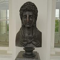Камеронова галерея. Скульптура Иолы