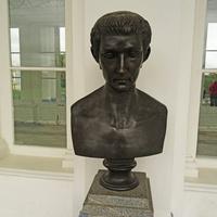 Камеронова галерея. Скульптура Тиберия