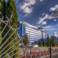 Забор и гостиница)