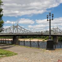 Городской сад. Вид на Старый мост.