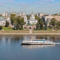 Волга. Вид на памятник А. Никитину.