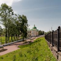 Городской сад. Вид на Императорский Путевой дворец.
