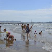 """Пляж Джемете в районе гостиничного комплекса """"Белый пляж""""."""