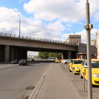 Краснохолмская набережная и одноимённый мост