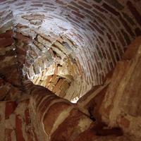 В колокольне разрушенной церкви Троицы Живоначальной. 12 мая 2009 года