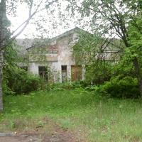 Лутовёнка, старая  школа, 1956 года  постройки.
