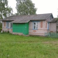 Лутовёнка, здание  отделения  по  работе  с  населением  Любницкого  сельского  поселения