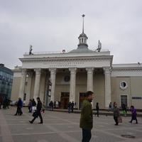 Станция метро Комсомольская.