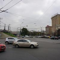 На площади трёх вокзалов.