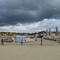 Пляж. Чайка. Вид в сторону гостиниц. 13.09.2007г. 16:11