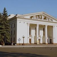 Мариуполь (бывший Жданов). Драматический театр.  7 августа 2005 года.