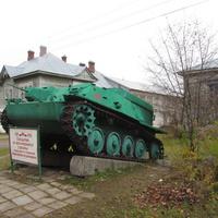 Памятник учителям и ученикам, погибшим в период ВОВ