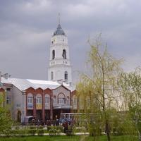 Россошь. Вид из сквера на церковь