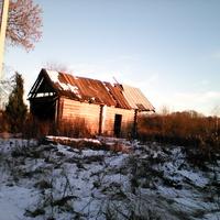 старый разрушенный дом