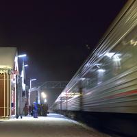 Прибытие поезда Самара - Санкт-Петербург на шуйский железнодорожный вокзал