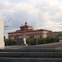 Жилой дом 1954 года по проекту Михаила Исаковича Синявского, один из красивейших образцов сталинского ампира