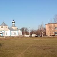 Центр Березняків-вид на церкву і сільраду,осінь 2016 р