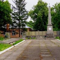 Меморіал ВВВ в Березняках.Меморіал присвячений 373 Миргородської Червоно-знаменного ордена Суворова і Кутузова стрілецької дивізії, які звільнили село Березняки від гітлерівських окупантів