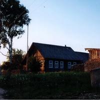 Лутовёнка, дом  Соловьёвых, июнь 2006 года.