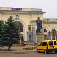 Південний вокзал вид з міста.