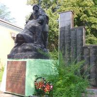 Пам'ятник героям