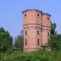Подвійна водонатискна вежа