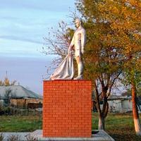 Братская могила 3 неизвестных советских воинов