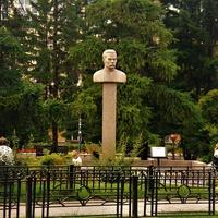 Иркутск. Памятник писателю Максиму Горькому.