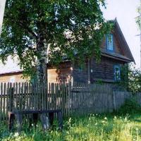 Лутовёнка, дом  Гречина  Алексея  Ивановича, июнь 2006 г.