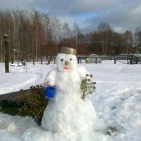 Снеговичок.))