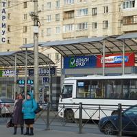 Остановка транспорта Озерки.