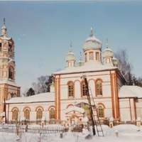 Храм Покрова Пресвятой Богородицы в селе Старый Покров. Декабрь 1993г.