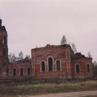 Храм Покрова Пресвятой Богородицы в селе Яковлево. Июнь 1994г.