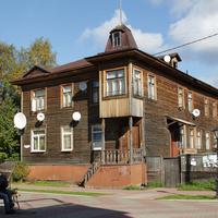 Проспект Чумбарова-Лучинского, 10